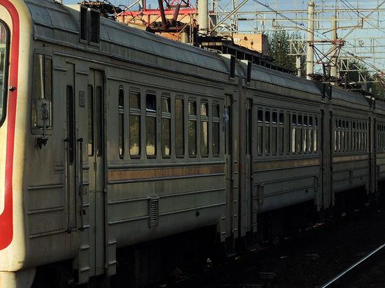 Вандалы больше всего разоряют железнодорожников с помощью окон