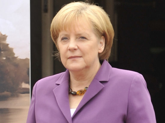Иранская ядерная программа представляет угрозу для всей Европы, заявила Меркель
