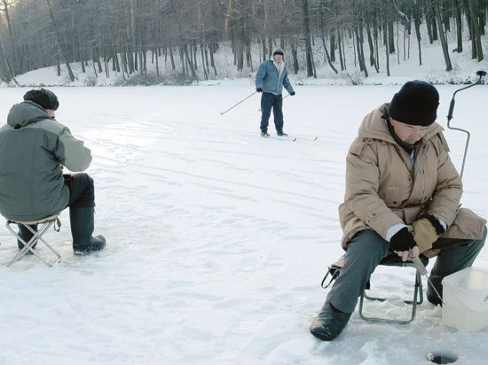 Как найти выход из-подо льда