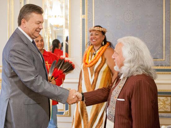 Моргулис - лоббист Януковича и Лукашенко.