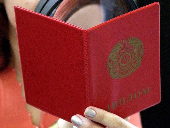 Красный диплом потеряет цвет Общество Образование Срочно в  Красный диплом потеряет цвет