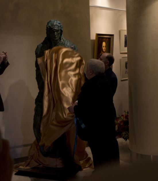 Открыли памятник Александру Абдулову