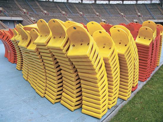Cтадион «Лужники» разбирают, а кресла раздадут болельщикам на память