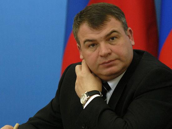Экс-министр обороны Сердюков сдает в аренду полигон через интернет