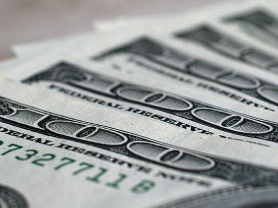 Украинцам запретили покупать более 1300 долларов