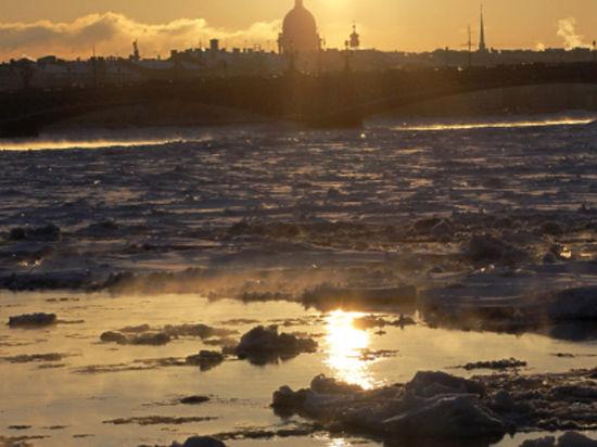 Санкт-Петербург готовится встретить наводнение