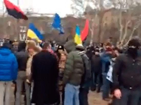 В Донецке и Одессе штурмом взяли областные администрации