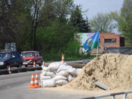 Пропавшую в Славянске миссию ОБСЕ задержали ополченцы