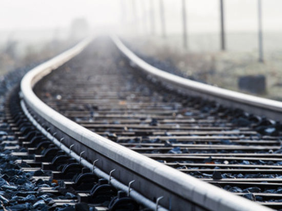 «Поезд разорвал маршрутку пополам»: в катастрофе на Украине погибли 13 человек
