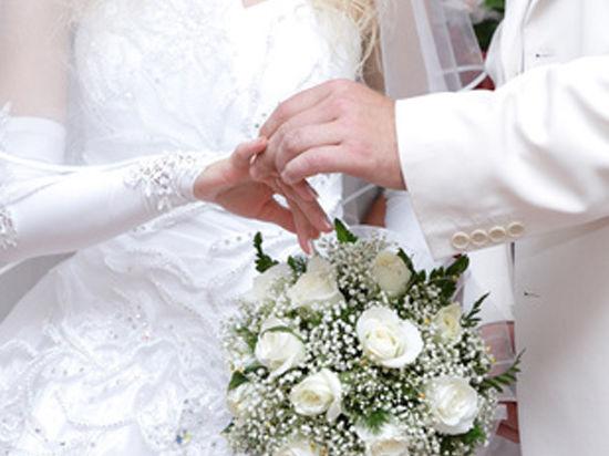 Извилистая тропа свадебного туризма привела молодоженов в суд