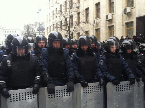 Войска в Киеве захватили последние баррикады