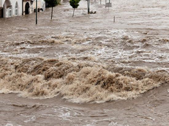 Библейская трагедия на английском юге: реки выходят из берегов