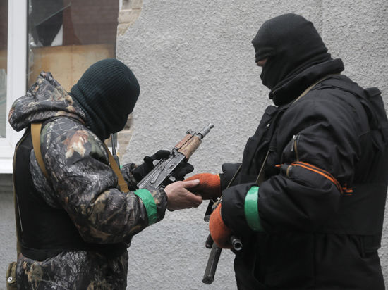 БТРы давят восток Украины. Истерика в Верховной Раде