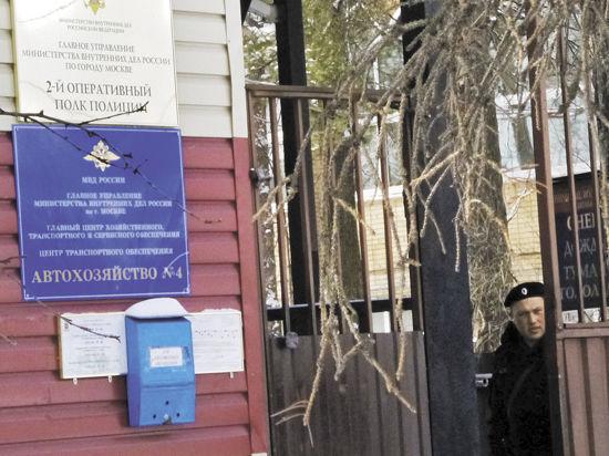 Командира полка, где полицейский устроил перестрелку, должны были уволить 5 лет назад