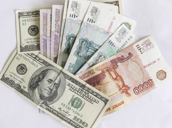 Москвичи в среднем зарабатывают около 56 тысяч рублей в месяц