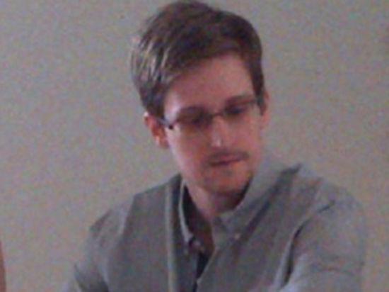 «Следующий логичный этап для Сноудена – запрос о политическом убежище»