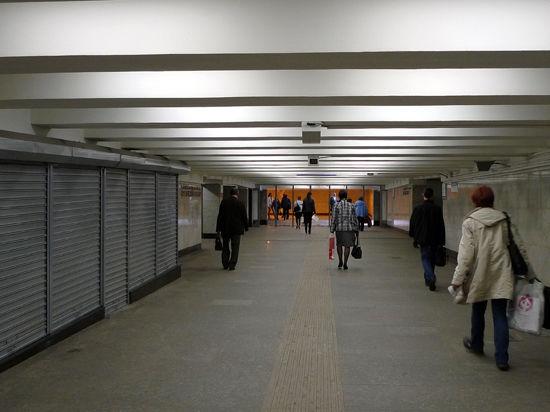 Переходы метро перестанут быть дырой в антитабачном законе