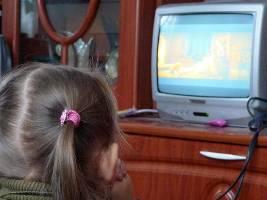 Лишний час просмотра ТВ сокращает сон ребенка на 7 минут