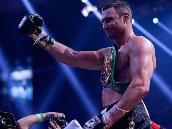 Виталий Кличко объявил о завершении боксерской карьеры ради политической