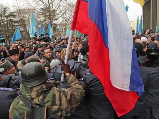 В Симферополе блокируют аэропорт, чтобы не пустить Турчинова в Крым