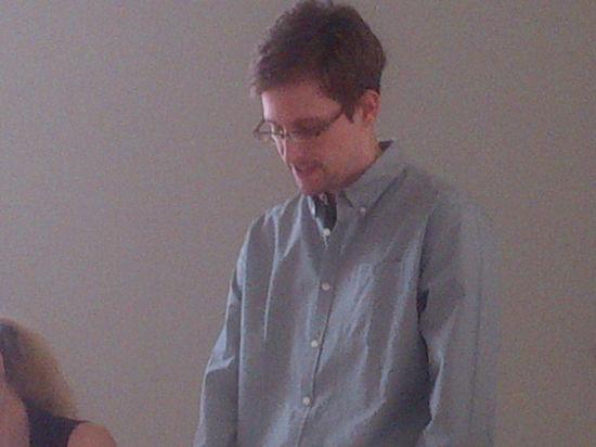 Сноуден рассказал о том, как прекратить слежку за людьми