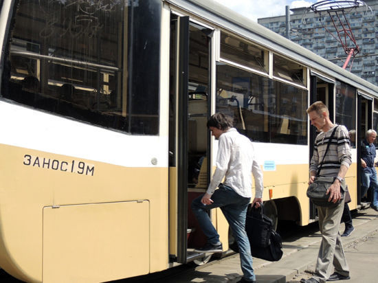 Трамвайные пути огородят от столичных автомобилистов