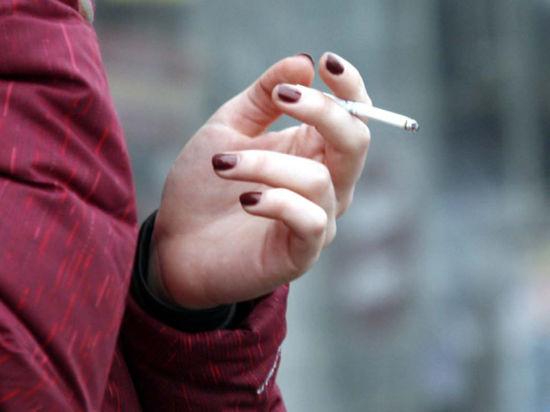 Полицейских заставят штрафовать курильщиков