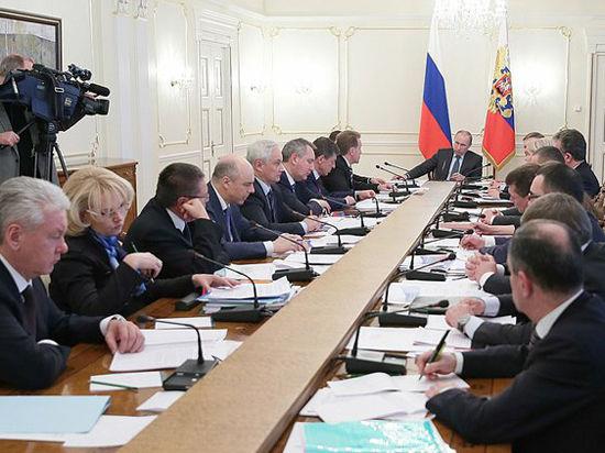 Россия приостановила кредит Украине: Путин оценил риски