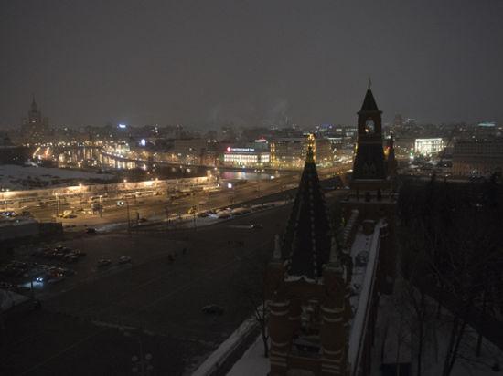 В «Час земли» Москва погрузится во мрак с человеком-пауком
