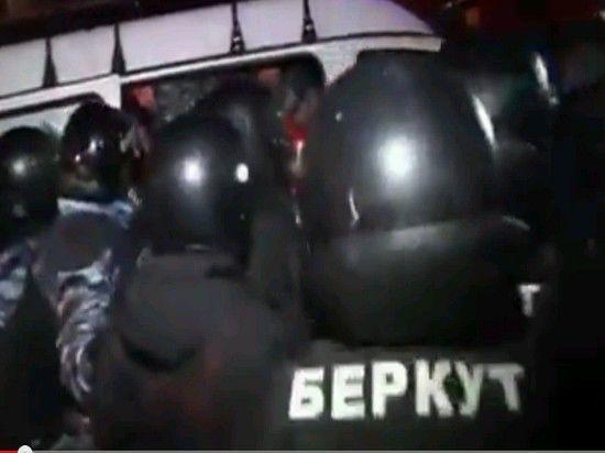 Майдан закрыли для митингов из-за новогодней елки?