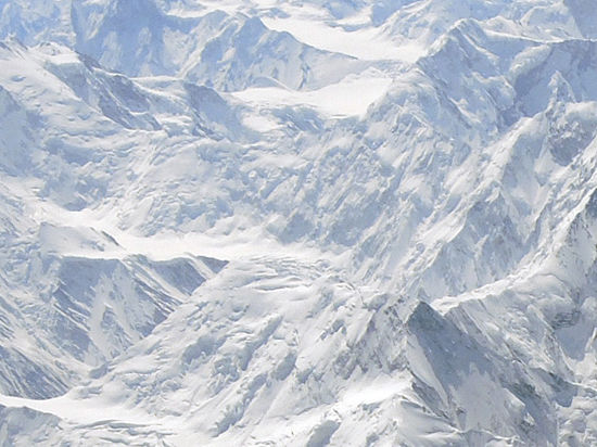 Лавина на Эвересте унесла жизни шестерых альпинистов