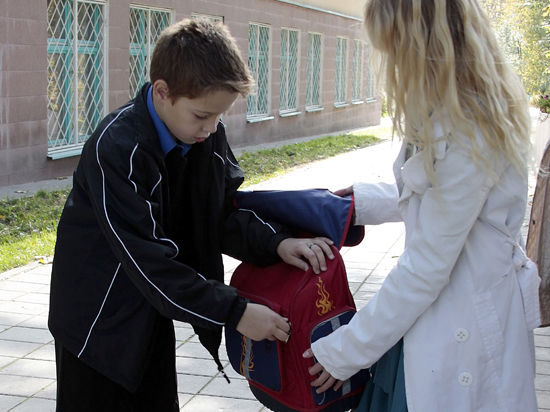 Школьники получили портфель с системой ГЛОНАСС