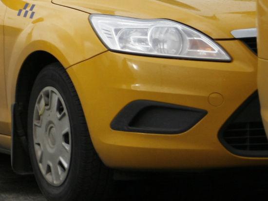 Социальные такси начнут принимать банковские карты