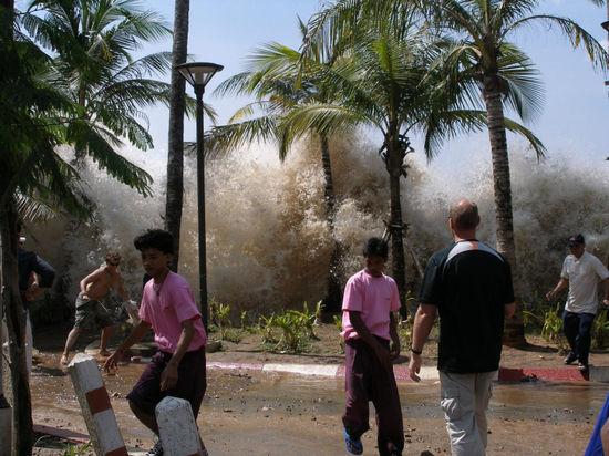 Цунами-2004, утопившее 300 тысяч человек, может повториться в любой момент