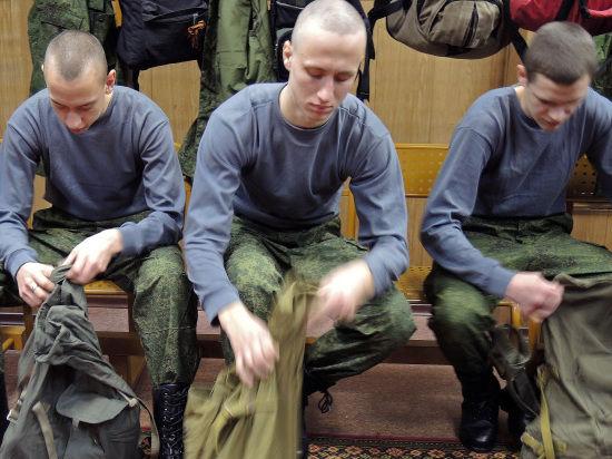 Армия предложит призывнику выбирать, как служить