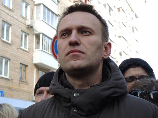 «Наказать Путина и себя». Зачем Навальный просится за решётку?