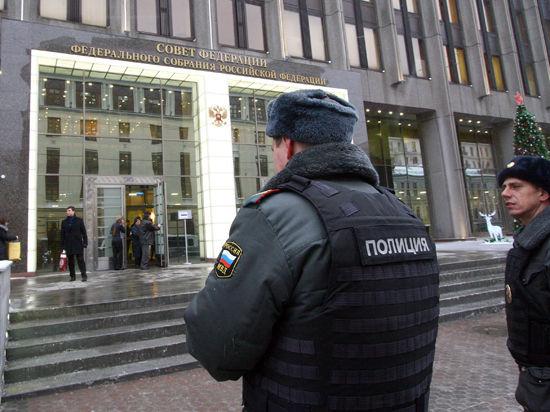 Совфед посоветовал Западу прекратить вмешательство в дела Украины