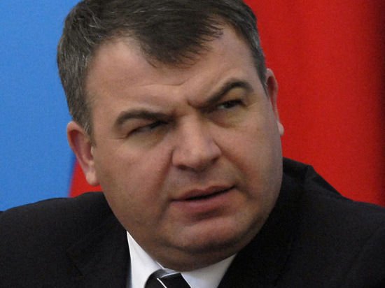 Знамение Сердюкову: в день его допроса прилетит «комета века»