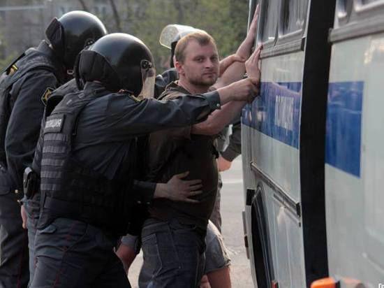 «Для Навального и Немцова выдвигать более радикальные лозунги означало отказ от переговоров в Кремле»