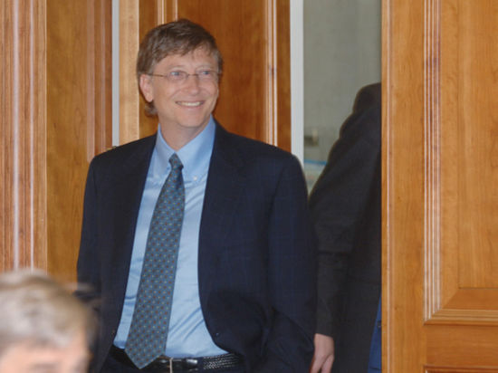 Билл Гейтс вышел из совета директоров созданной им Microsoft