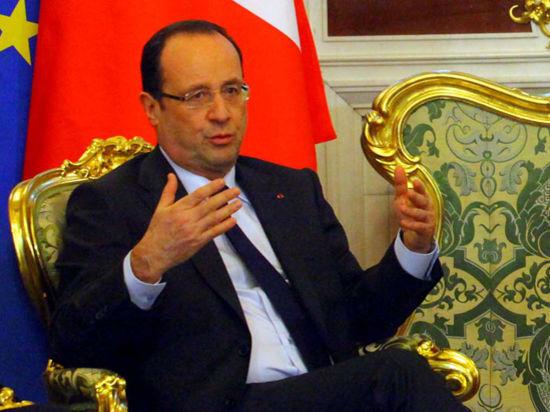«Все кончено»: во Франции ждут официального сообщения о разрыве президента и его жены
