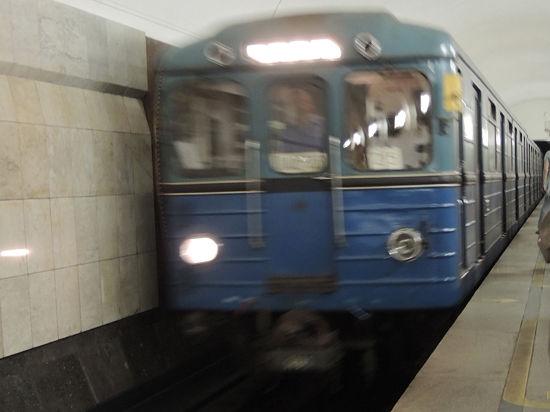 Вандалы пришли портить вагоны метро в депо