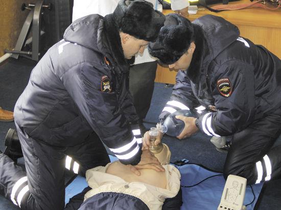 Инспекторы подмосковной ГИБДД теперь осваивают азы доврачебной помощи