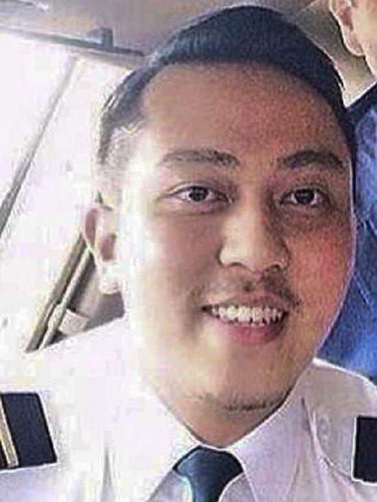 Второй пилот малайзийского Боинга пытался сделать срочный вызов с мобильного перед исчезновением самолета с радаров