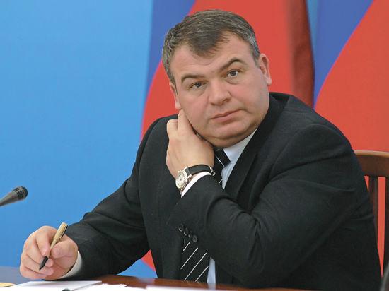 Халатность Сердюкова: пощечина или плевок?