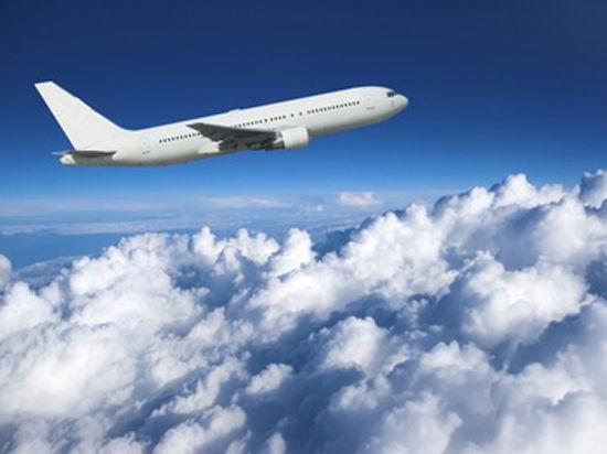 Малайзийский самолет мог специально отключить связь и сделать разворот