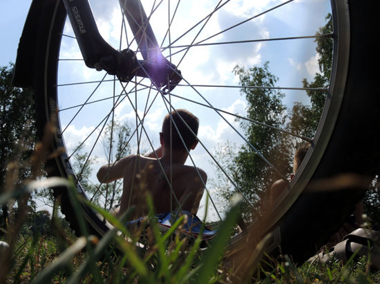 Пациентам больницы прописали велосипед от всех бед