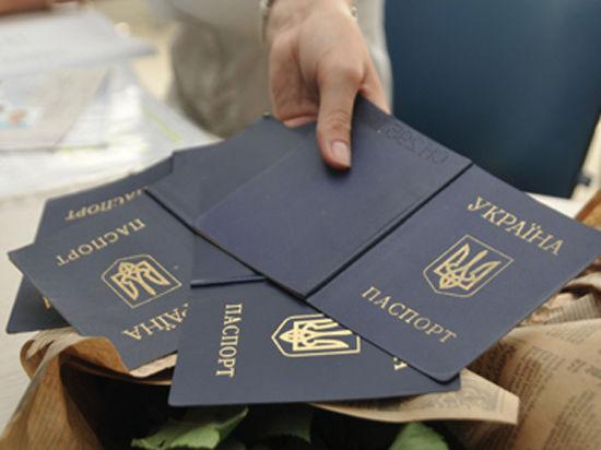 Украина упростит получение гражданства протестующим из-за присоединения Крыма россиянам