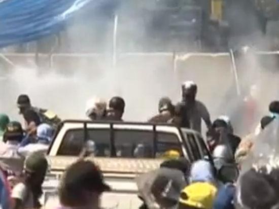 В Бангкоке взорвали колонну демонстрантов