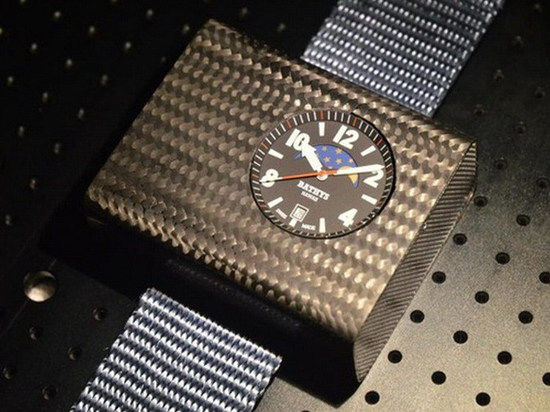 Созданы первые в мире атомные наручные часы